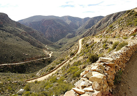 things-to-do-oudtshoorn-safari-ostrich-farm-swartberg-pass